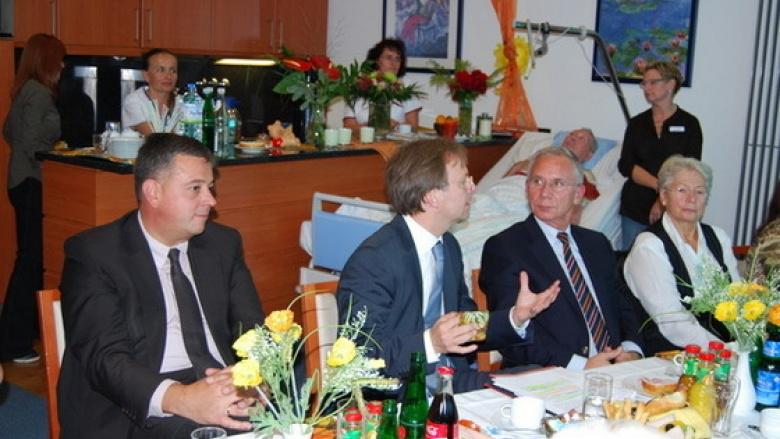 """Schirmherrschaft für """"Caritascare"""""""