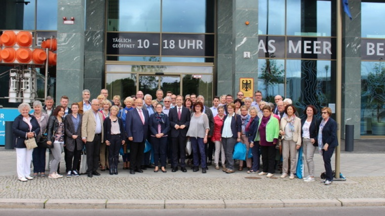 50 Ehrenamtler zu Besuch bei Thomas Rachel MdB