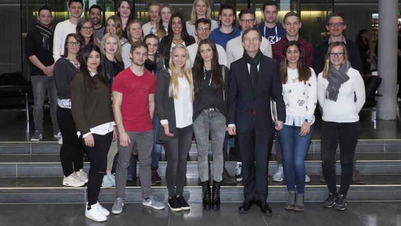 Dürener Bankauszubildende zu Besuch bei Thomas Rachel MdB in Berlin