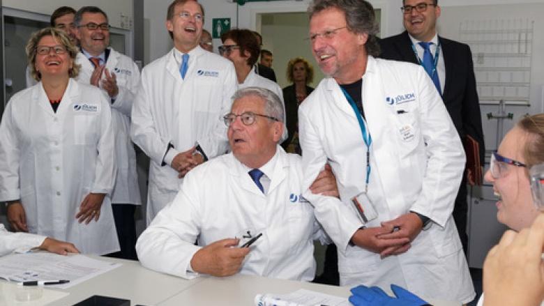 Bundespräsident Gauck besucht Forschungszentrum Jülich