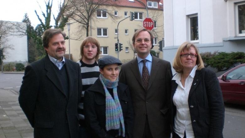 Bundestagsabgeordneter Thomas Rachel (2.v.r.) traf sich mit US-Austauschschülerin Martha Onnelee Miller und ihrer Gastfamilie Kayser aus Echtz