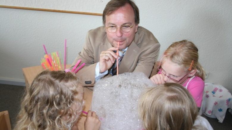 Haus der kleinen Forscher - Service-Portal für geflüchtete Kinder