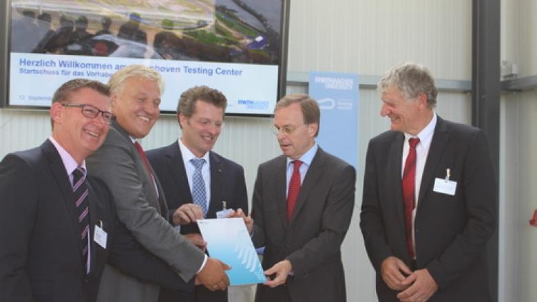 Thomas Rachel MdB überbringt 3,3 Millionen Euro für Teststrecke in Aldenhoven
