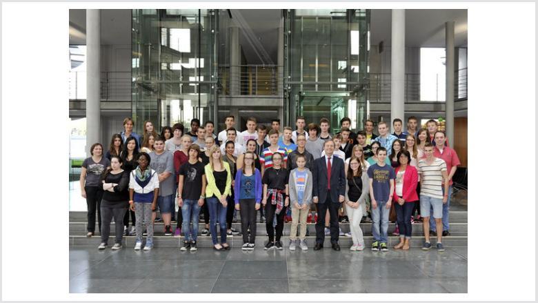 Käthe-Kollwitz-Realschule zu Besuch bei Thomas Rachel MdB in Berlin