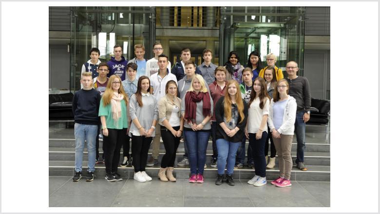 Realschüler aus Jülich interessieren sich für die Arbeit ihres Bundestagsabgeordneten