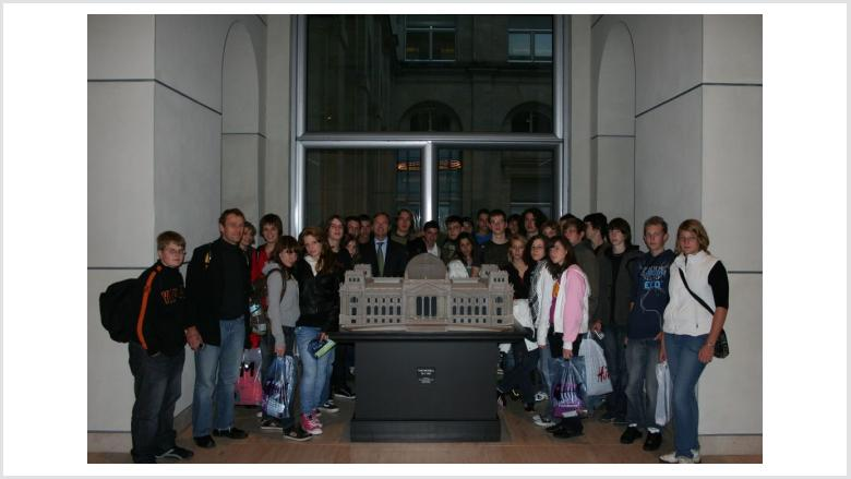Klasse 10e der Gesamtschule Niederzier Merzenich besucht mich in Berlin