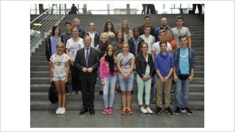 Realschule Hürtgenwald zu Besuch bei Thomas Rachel MdB in Berlin