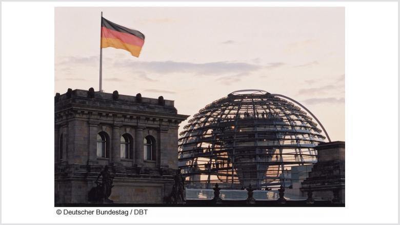 MdB Rachel begrüßt Vettweißer im Bundestag