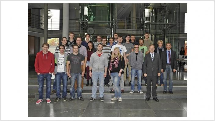 Thomas Rachel MdB begrüßt IT-Abschlussklasse des Berufskolleg für Technik aus Düren im Bundestag