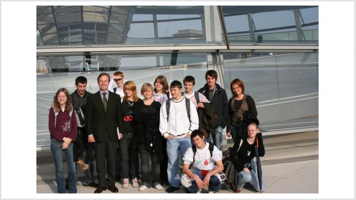 Jugendliche aus Kinderheim St. Josef im Reichstag